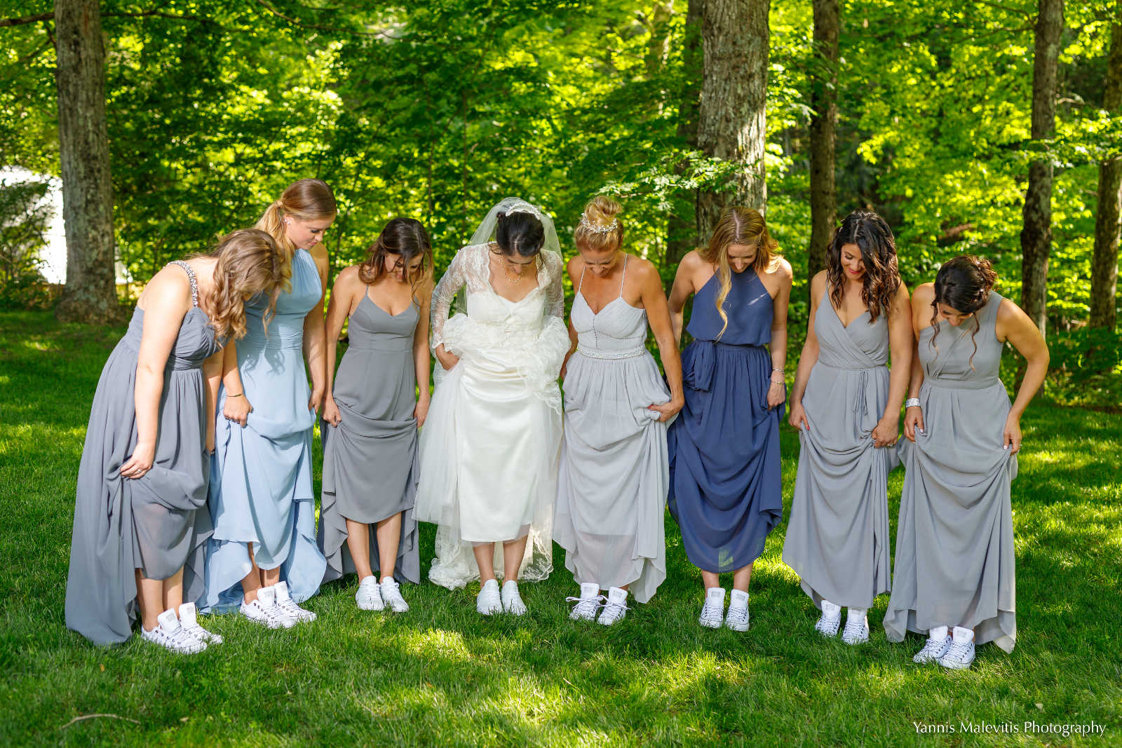 Yannis Malevitis image: Bridal party at Full Moon Resort