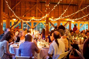 Tracey Eller image: Barn wedding at Full Moon Resort